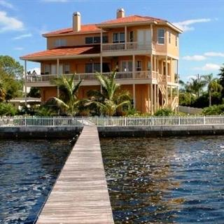 Waterfront Vacation Home in Tarpon Springs, Florida