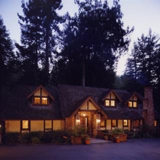 Avalon Luxury Bed and Breakfast in Sebastopol, California