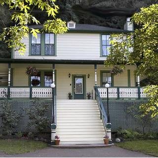 Santa Nella House Bed and Breakfast in Guerneville,CA