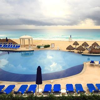 Golden Parnassus Resort in Cancun, Mexico