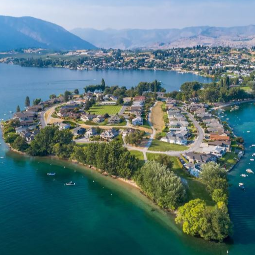Lake Chelan Resort Home in Lake Chelan, WA
