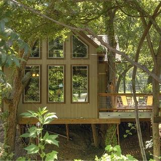 River Road Tree Houses in New Braunfels, Texas