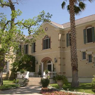 Mosheim Mansion Bed and Breakfast in Seguin, Texas