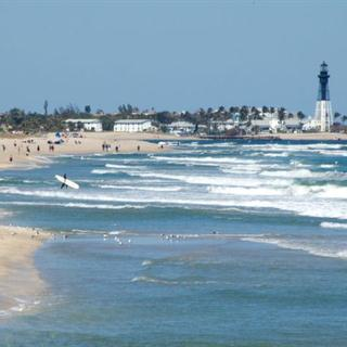 Beach Vacation Home Rentals - Pompano Beach in Florida