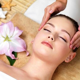 Relaxation and Moisturizing Facial (60 Minutes)