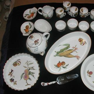 Evesham serving plates, dessert cups, cream and sugar