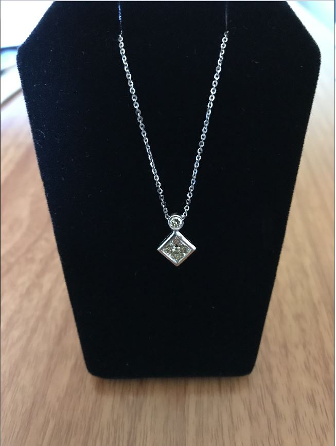 Ladies 16' 14KT White Gold Princess Cut Necklace