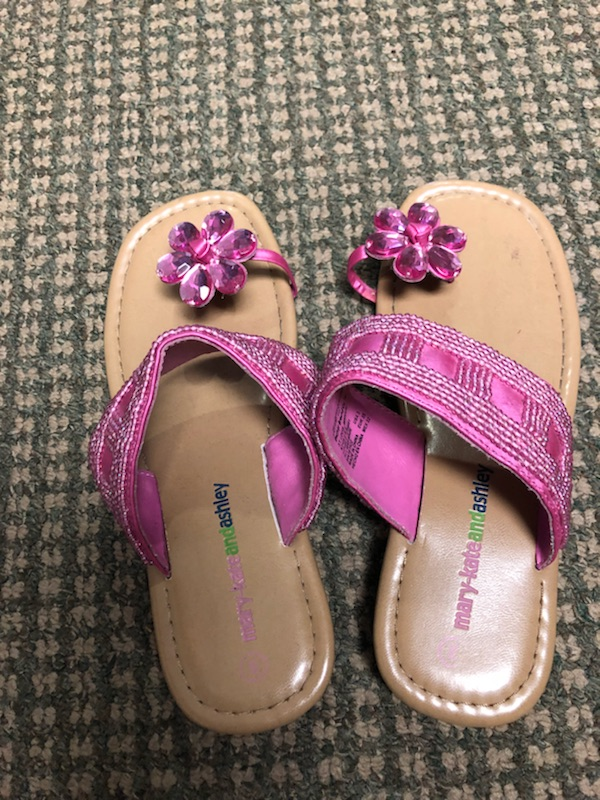 Pre Owned Mary Kate and Ashley Sandals size 3