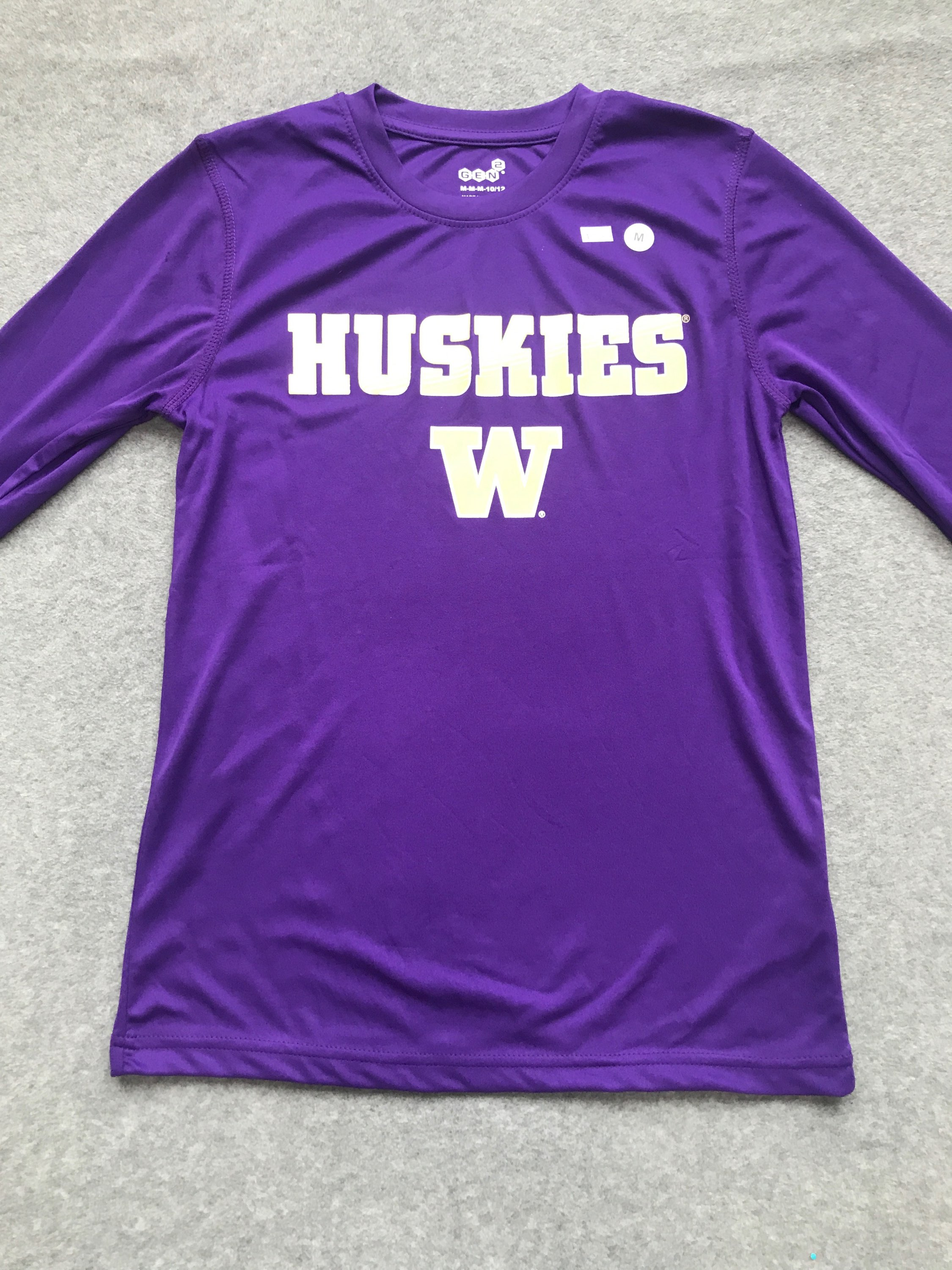 UW Youth Medium 8/10  Polyester Long sleeve tee