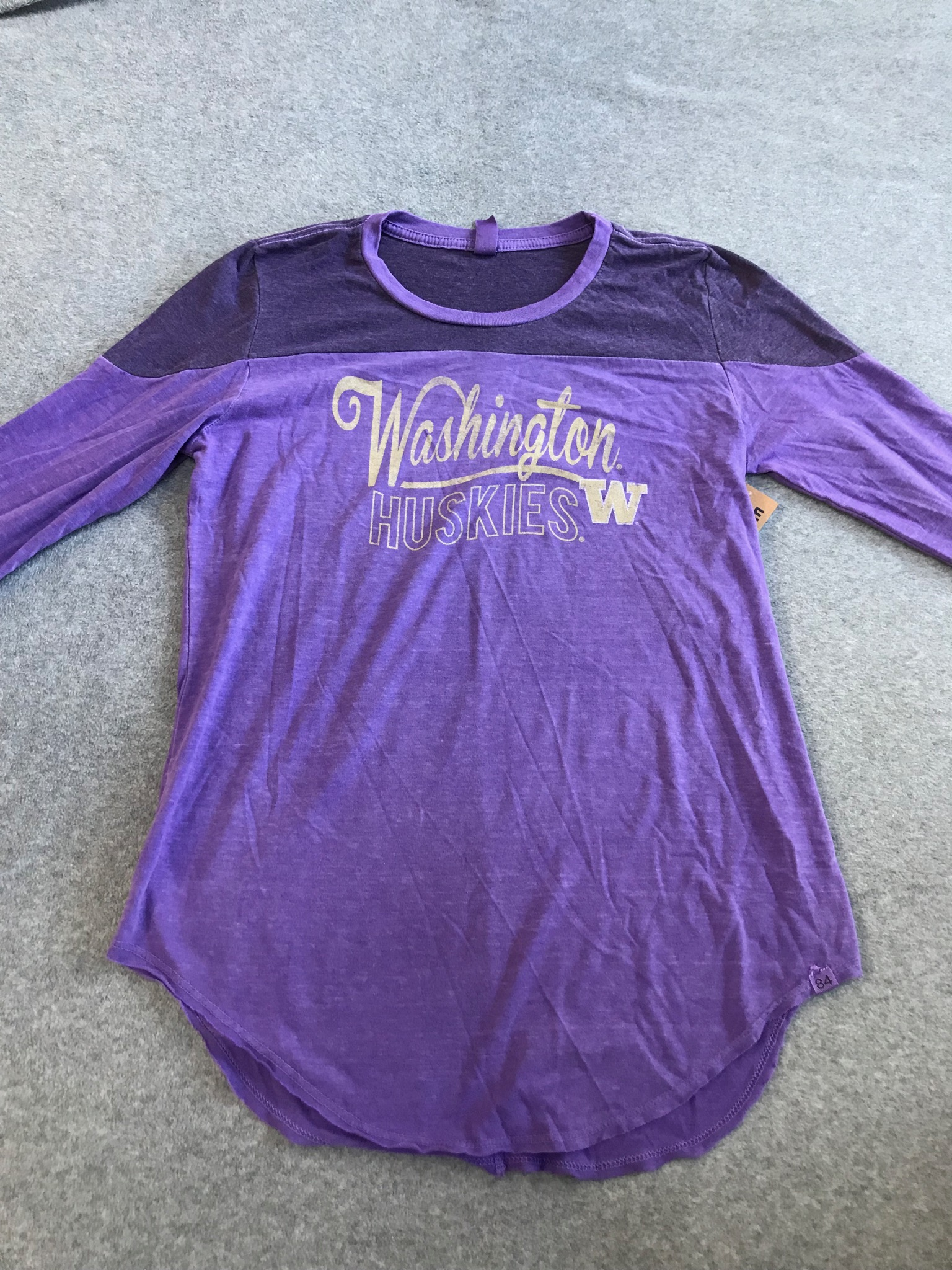 University of Washington Ladies Long Sleeve Tee size Medium NWT