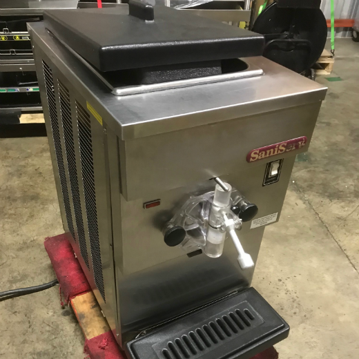 SaniServ Soft Serve/Smoothie Machine - Used