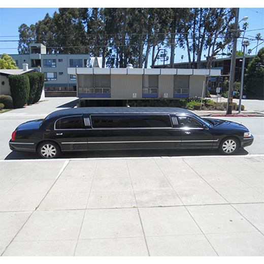 2005 10-Passenger Lincoln Town Car Stretch Limousine