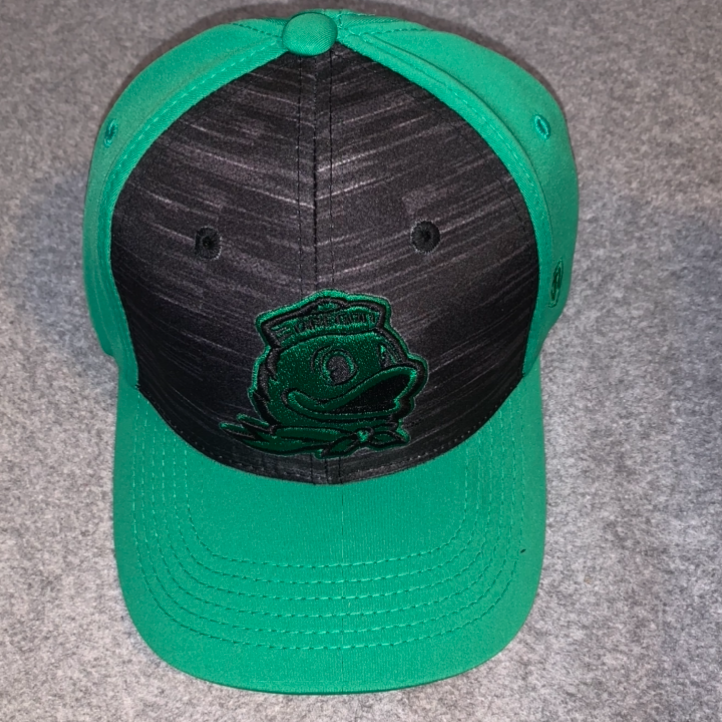 Oregon Ducks Logo Ball Cap - Green & Black, Adjustable