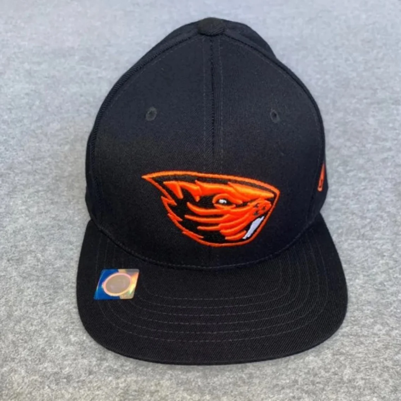 NWT Oregon Beavers Black Flatbill Hat
